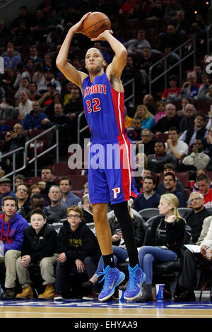 Philadelphia, Pennsylvania, USA. 18th Mar, 2015. Detroit Pistons forward Tayshaun Prince (22) shoots the ball during - Stock Photo