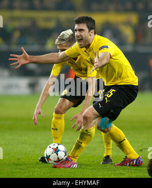 Dortmund, Germany. 18th Mar, 2015. Sokratis Papastathopoulos (Borussia Dortmund) is angry during the Champions League - Stock Photo