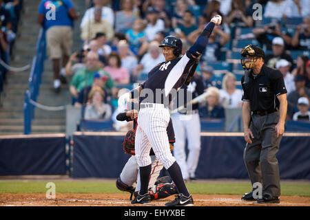 Tampa, Florida, USA. 12th Mar, 2015. Alex Rodriguez (Yankees) MLB : Alex Rodriguez of the New York Yankees stretches - Stock Photo