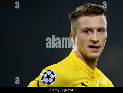 Dortmund, Germany. 18th Mar, 2015. Dortmund's Marco Reus reacts during the Champions League Round of Sixteen soccer - Stock Photo