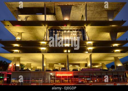 USA, Florida, Dade County, Miami, Miami Beach, 1111 Lincoln Road, parking garage by Herzog & de Meuron - Stock Photo