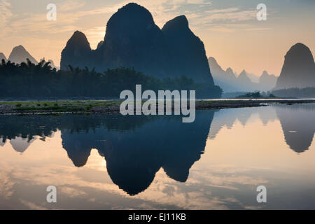 Li River, China, Asia, region, Guangxi, river, flow, mountains, karst, scenery, reflection, evening, mood - Stock Photo