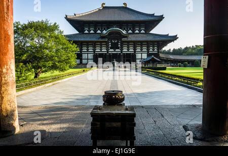 Morning view of the main hall at Todai-ji temple in Nara, Japan - Stock Photo