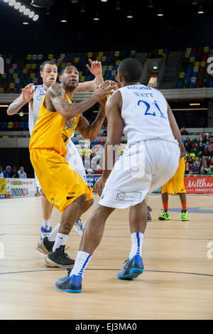 London, UK. 20th March 2015. London Lions player Drew Sullivan attacks during the BBL Championship game against - Stock Photo