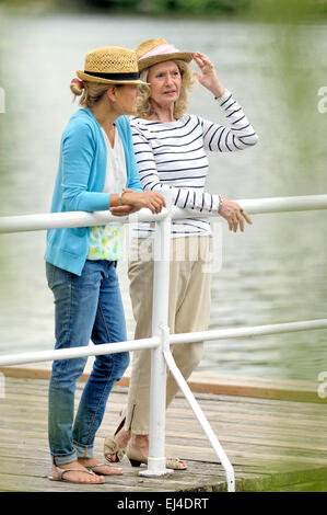 Mother and daughter having a conversation - Stock Photo