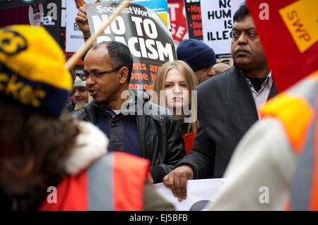 England, London. 21st Mar, 2015. Tens of thousands march in central London under the banner 'Stand up to Racism - Stock Photo