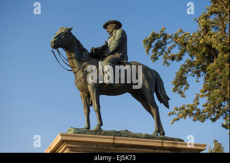 Equestrian statue of Cecil John Rhodes, Kimberley, South Africa - Stock Photo