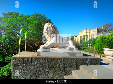 Statue of lion and stairs in Vorontsov's palace