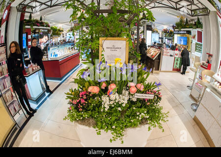 New York, USA. 22nd Mar, 2015. Macy's flagship department store in Herald Square in New York is festooned with floral - Stock Photo