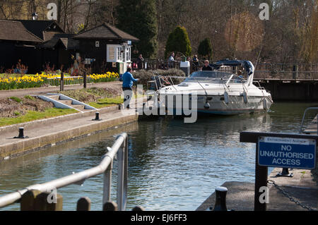 Thames' Iffley Lock in Oxford on sunny day with boat - Stock Photo