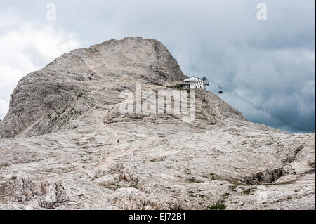 Pale di San Martino plateau, Mt Rosetta, 2743 m, with the cable car station of San Martino di Castrozza, Pala group, - Stock Photo