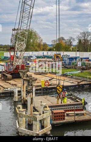 Replacing A bridge Pangbourne Berkshire UK - Stock Photo