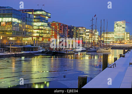 A cold night in the Hafencity in Hamburg - Stock Photo