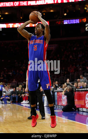 March 18, 2015: Detroit Pistons guard Kentavious Caldwell-Pope (5) shoots the ball during the NBA game between the - Stock Photo