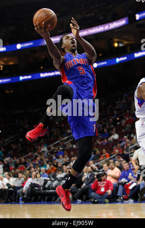 March 18, 2015: Detroit Pistons guard Kentavious Caldwell-Pope (5) goes up for the shot during the NBA game between - Stock Photo