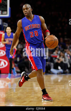 March 18, 2015: Detroit Pistons guard Jodie Meeks (20) in action during the NBA game between the Detroit Pistons - Stock Photo