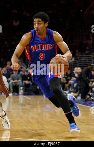 March 18, 2015: Detroit Pistons guard Spencer Dinwiddie (8) in action during the NBA game between the Detroit Pistons - Stock Photo