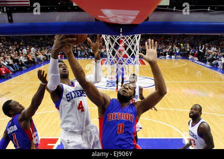 March 18, 2015: Philadelphia 76ers center Nerlens Noel (4) and Detroit Pistons center Andre Drummond (0) go after - Stock Photo
