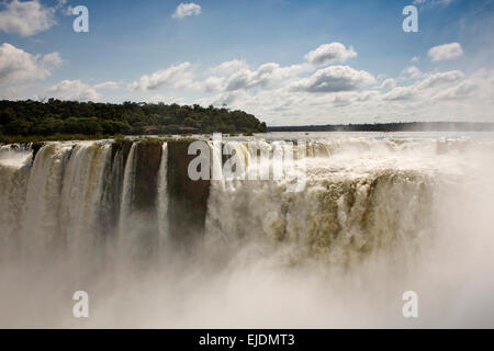 Argentina, Iguazu Falls, Garganta el Diablo waterfall - Stock Photo