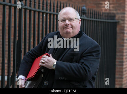 Eric Pickles,Secretary of State for Communities and Local Government, in Downing street for a cabinet meeting - Stock Photo