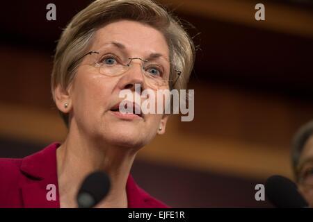 US Senator Elizabeth Warren comments on the Senate Republican budget which will eliminate the Federal Consumers - Stock Photo