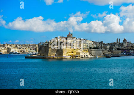 The fortified city of Senglea seen from the Grand Harbour of Valletta, Malta - Stock Photo