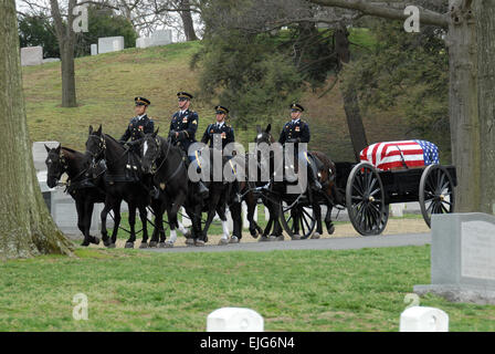 U.S. Army Soldiers with Caisson Platoon, 3rd U.S. Infantry Regiment The Old Guard lead the caisson of Air Force - Stock Photo