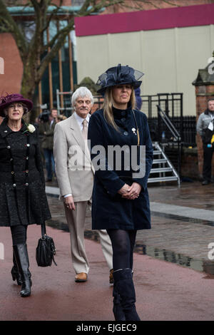 Leicester, UK. 26th March 2015. Philippa Langley leads the procession of celebrities followed by Dr John Ashdown - Stock Photo