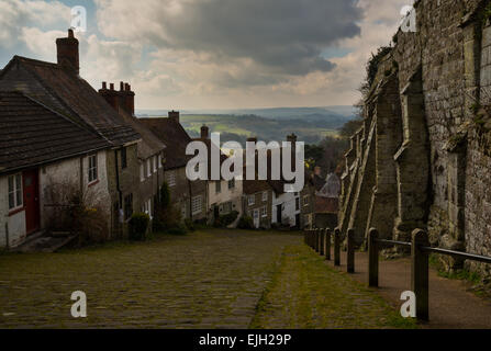 The famous gold hill in shaftesbury dorset - Stock Photo
