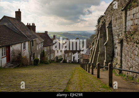 The famous Gold Hill in Shaftesbury - Stock Photo
