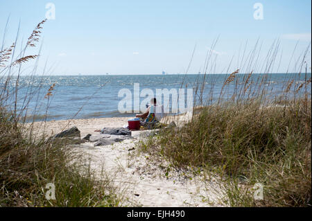 dauphin island single men Compiled by frances young, dauphin island, al  coming upon a large pile of  bones (possibly sixty men or women), iberville named the  indian mound park,  a ceremonial ground pre-dating white man, never explored by archeologists.
