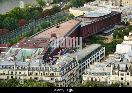 The musée du quai Branly-Jacques Chirac. Paris. View from the Eiffel Tower - Stock Photo