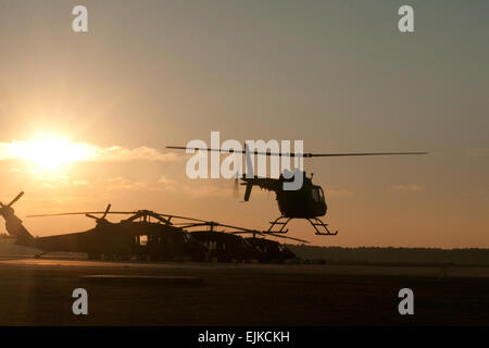 Two crews with the South Carolina Army National Guard's 2-151st Security and Support Aviation Battalion, McEntire - Stock Photo