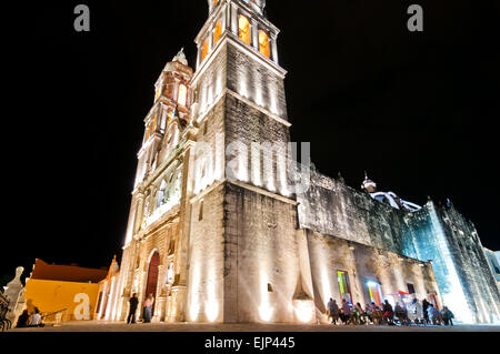 night view of main square and Cathedral in Campeche, Mexico. - Stock Photo