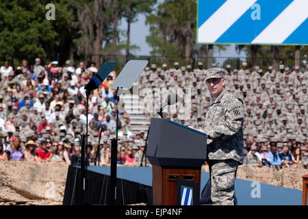 The Third Infantry Division Commanding General Major General Robert Abe Abrams speaks to the crowd as they wait - Stock Photo