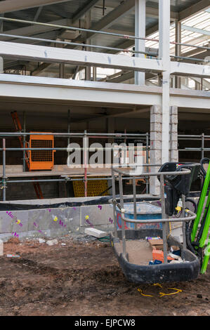 A closer look at the new Crescent shopping centre under construction in Hinckley - Stock Photo