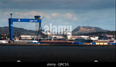 HMS Queen Elizabeth ( R08 ) Aircraft Carrier under construction in Rosyth Dockyard on the Firth of Forth, Scotland. - Stock Photo