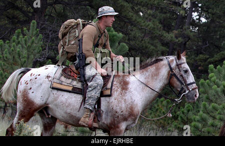 Soldiers attending the U.S. Army Special Forces Command A Mountaineering Program conduct Senior Course Level II - Stock Photo
