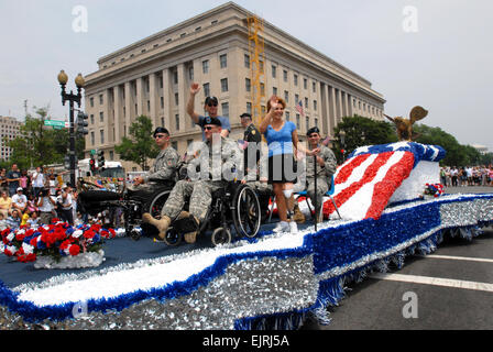 Hollywood actor Gary Sinise and the wounded warriors serving as Grand Marshal's of the National Memorial Day Parage - Stock Photo
