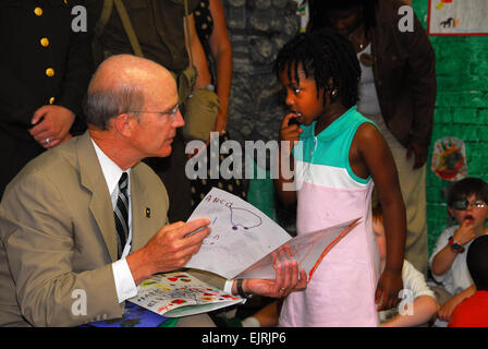 Secretary Begins Army Birthday With Myer Youth  C. Todd Lopez June 09, 2008  Children at the Fort Myer, Va. Child - Stock Photo