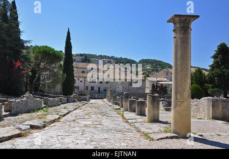 La Villasse, these extensive Roman ruins are at Vaison-La-Romaine, Provence, France. These Gallo-Roman remains are - Stock Photo