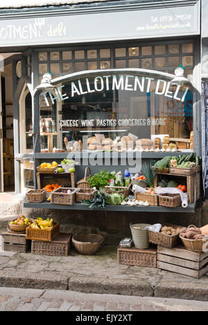 St Ives a charming historic seaside town  in Cornwall England UK The Allotment Deli - Stock Photo