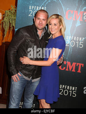 Miraculous Singer Kellie Pickler And Her Husband Kyle Jacobs Wave From Hairstyle Inspiration Daily Dogsangcom