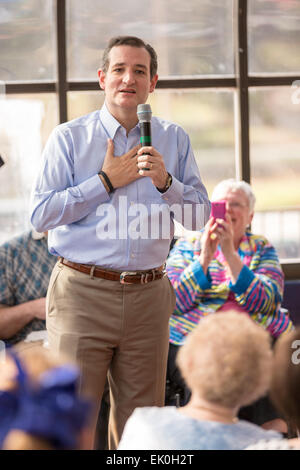 US Senator Ted Cruz and GOP presidential candidate speaks during a town hall meeting with supporters at the famous - Stock Photo
