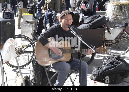 Copenhagen, Denmark. 4th April, 2015. British singer and musician Peter Jones perfoming on easter saturday on amagertorv - Stock Photo