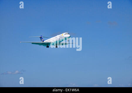 Insel Air McDonnell Douglas MD-82 Jet Approaching Princess Juliana International Airport, over Maho Beach on St. - Stock Photo