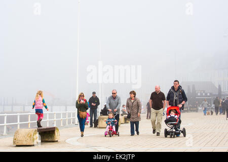 Aberystwyth, Wales, UK. 6th April, 2015. After a bright start, sea mists roll in over Aberystwyth on Easter Bank - Stock Photo