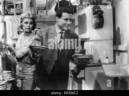 Genevieve Cluny, Jean-Louis Maury, on-set of the Film 'The Love Game' (aka Les Jeux de L'Amour), 1960 - Stock Photo