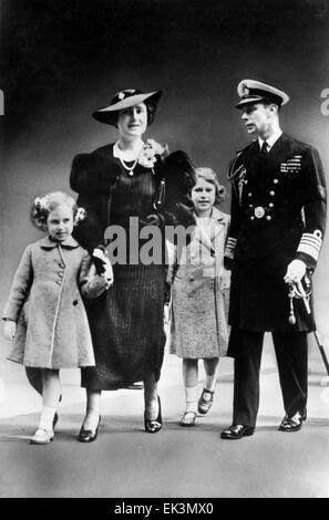 King George VI, H.M. Queen Elizabeth, Princesses Elizabeth and Margaret, of England, ca. late 1930s - Stock Photo