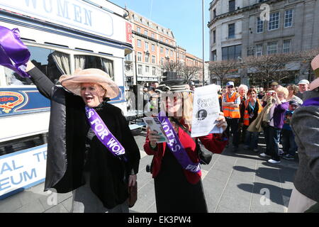 Dublin, Ireland. 06th Apr, 2015. Women dressed as Suffragettes during the recreation of Easter 1915 in Dublin city - Stock Photo
